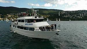 Barcolana 52 - dal campo di regata - con motonave adriatic princess iii