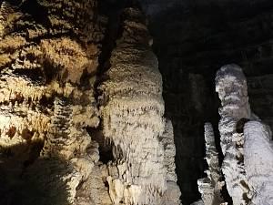 Genga: grotte di frasassi e parco avventura