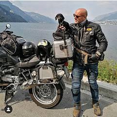 Zita on the road', il viaggio solidale �a sei zampe e due ruote' arriva a genova .  un tou